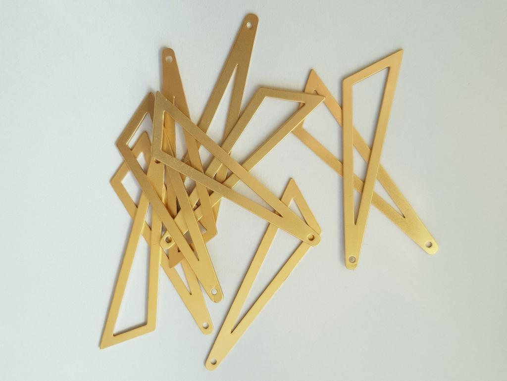 Bedel asymmertrische driehoek 45x38x13mm mat goud