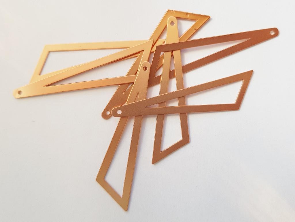Bedel asymmertrische driehoek 45x38x13mm mat rose
