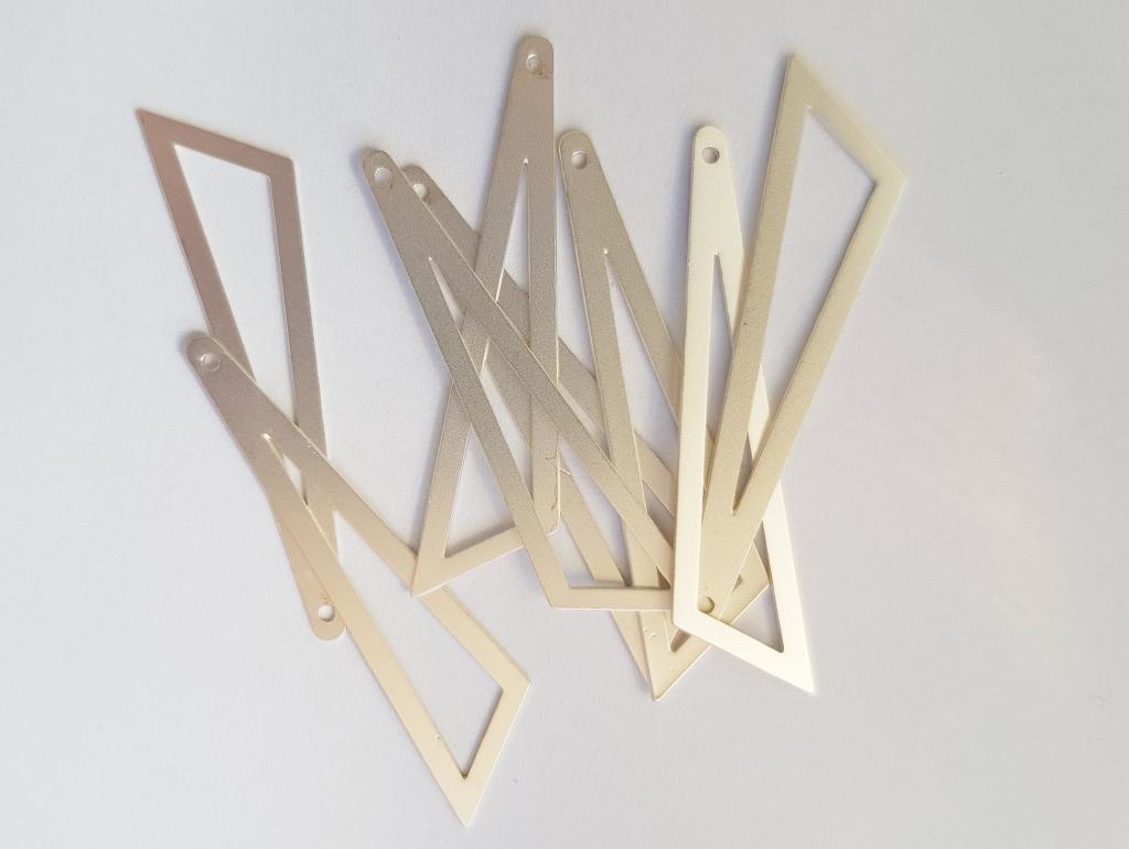 Bedel asymmertrische driehoek 45x38x13mm mat zilver