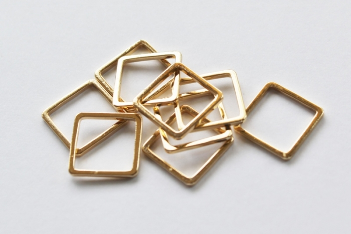 Letali Bedel_tussenstuk vierkant 12mm goud 2