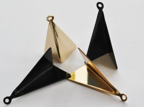 Letali bedel gevouwen driehoek 26x10mm mix