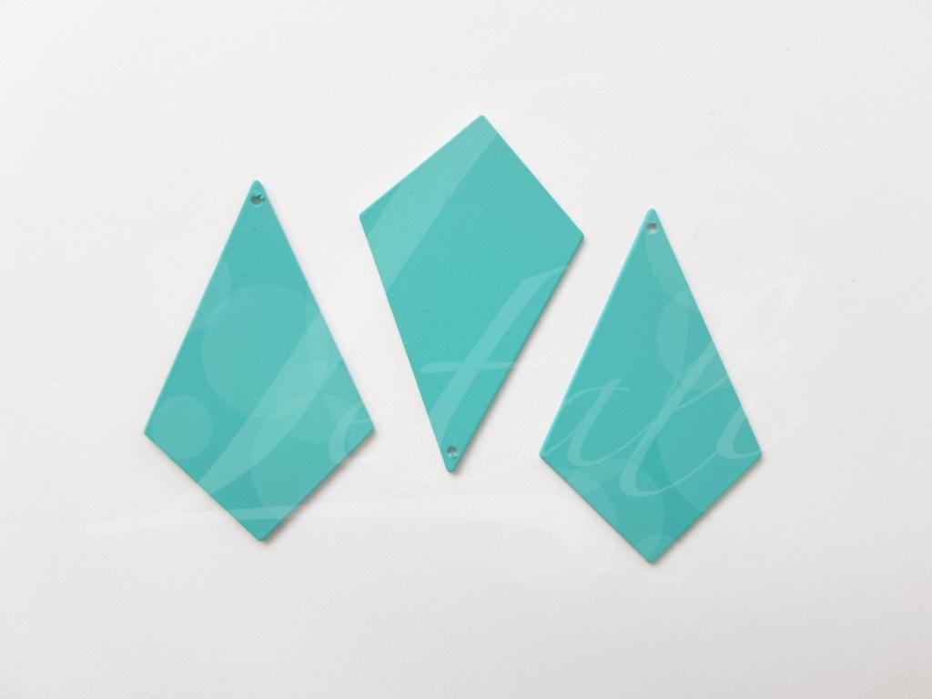 Letali_ruit_40x25_vol_rubber turquoise