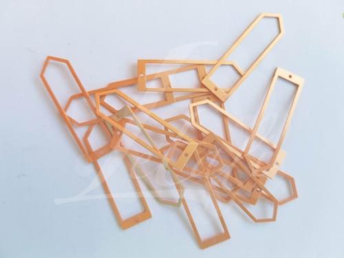 Letali bedel puntige paperclip 33x9mm_mat rose_